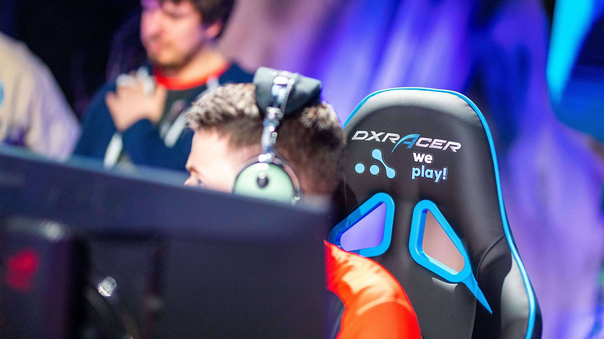 DXRacer at Forge of Masters Season 1